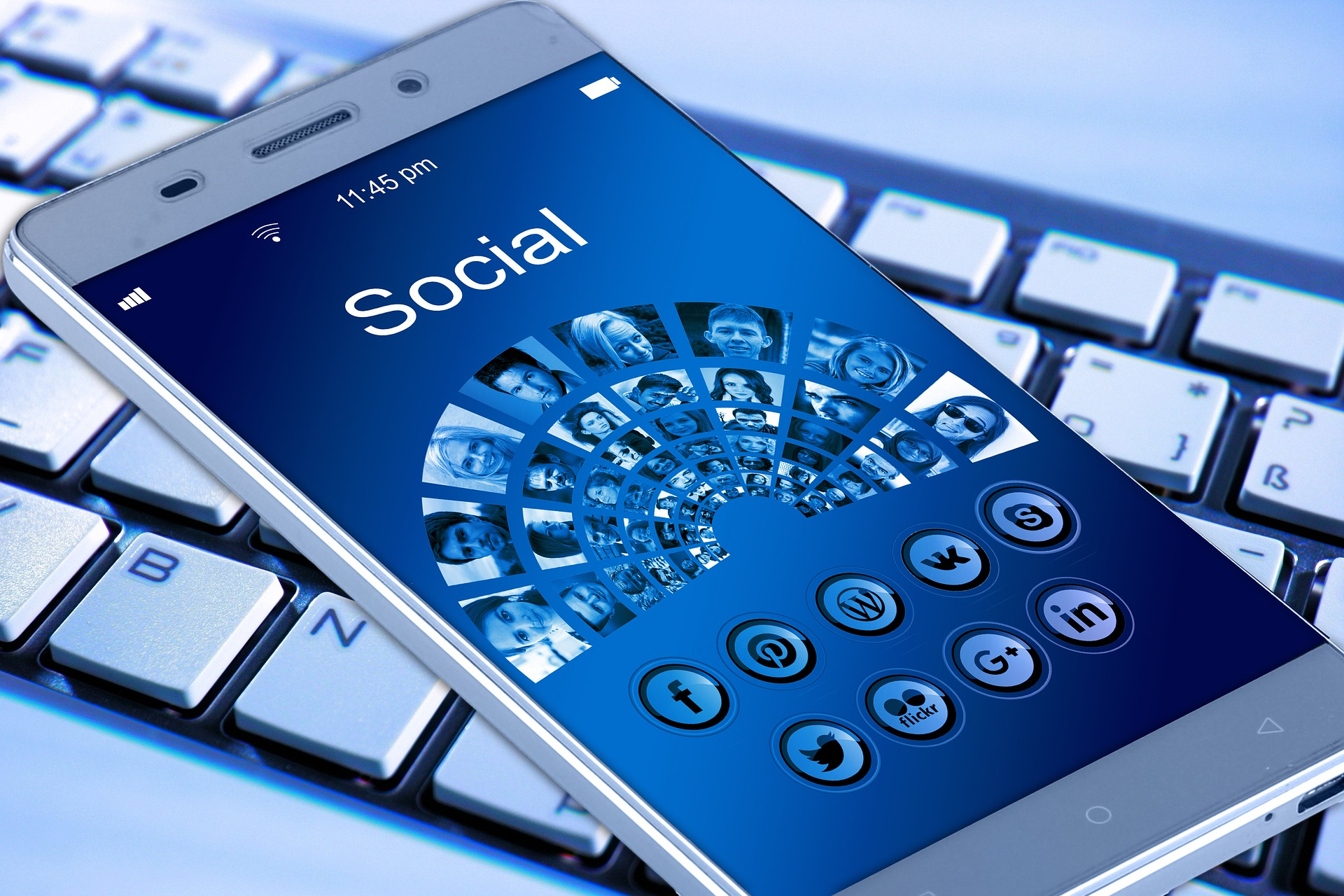 New DHS social media policy