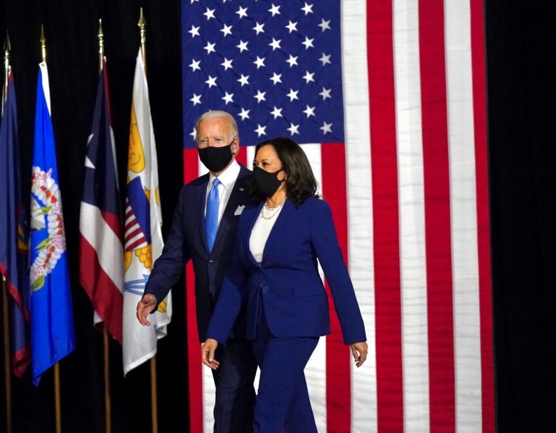 Kamala Harris and Joe Biden wear masks